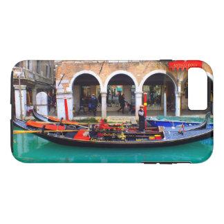 Gondolier in Cannaregio iPhone 8 Plus/7 Plus Case