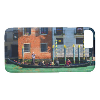 Gondolier Rowing on Canal Grande iPhone 8/7 Case