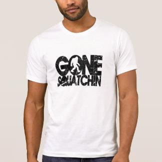 Gone Squatchin - black distressed T-Shirt