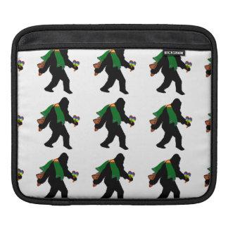 Gone Squatchin - Senor Squatcho de Mayo Sleeves For iPads