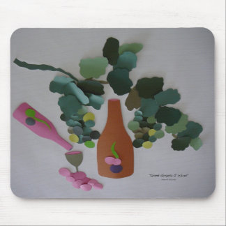 """""""Good Grapes 2 Wine"""" Mouse Pad"""
