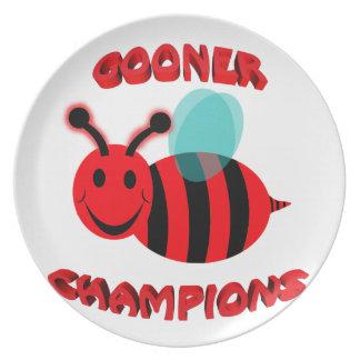 gooner bee champions dinner plate