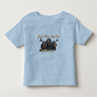 Gordon Setter  Hunts Pheasants T-shirt