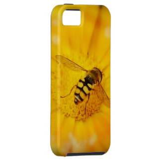 Gorgeous Bee on Golden Flower iPhone SE/5/5s Case