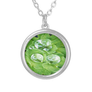 Gorgeous green silver plated necklace
