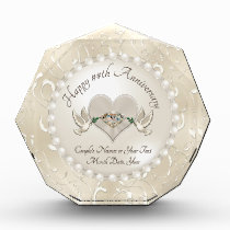 Gorgeous Personalized Wedding Anniversary Gifts