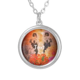 Gorgeous Reflection Vintage Flowers Round Pendant Necklace