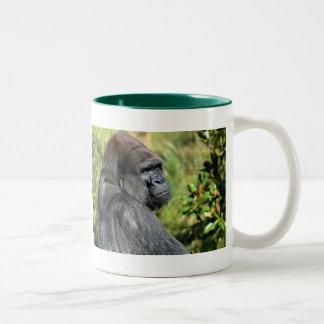 Gorila adulto taza de café de dos colores