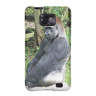 Gorila de la tierra baja en actitud que se sienta galaxy SII funda