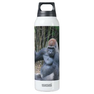 Gorila del Silverback que se sienta