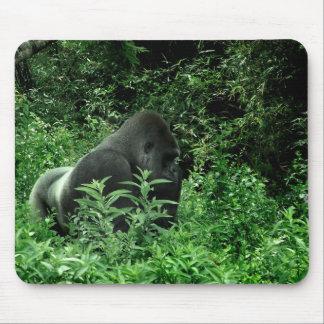 Gorila en animal verde de la fauna del tinte de la alfombrilla de raton