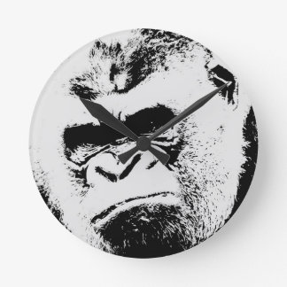 Gorila enojado reloj redondo mediano