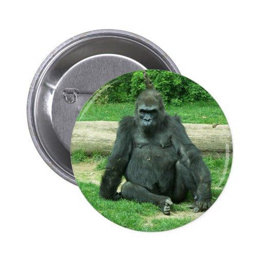 Gorila gruñón de la tierra baja pin redondo de 2 pulgadas
