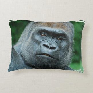 Gorila perplejo