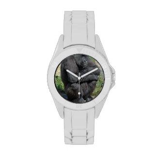 Gorila que se sienta relojes de pulsera