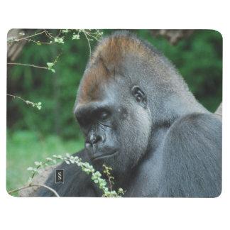 Gorila severo cuaderno grapado