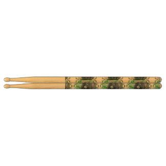gorilla-107.jpg drumsticks