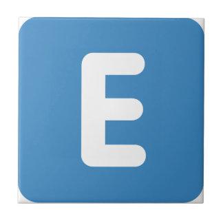 gorjeo del emoji - letra E Azulejo Cuadrado Pequeño
