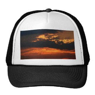 Gorra ardiente de la puesta del sol