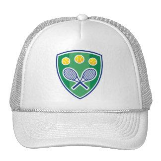 Gorra blanco del tenis con el escudo clásico del l