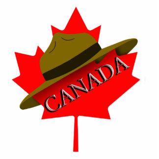Gorra canadiense del Mountie en la hoja de arce Fotoescultura Vertical