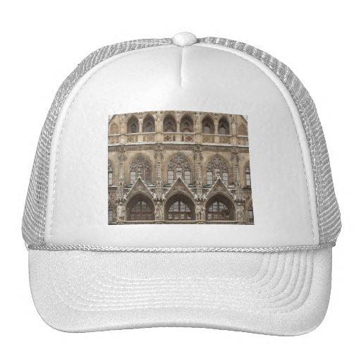 Gorra con arquitectura gótica del renacimiento