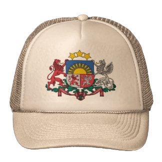 Gorra con el escudo de armas letón