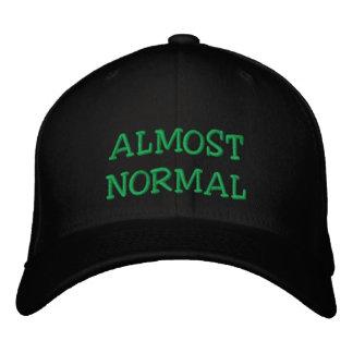 Gorra de béisbol casi normal
