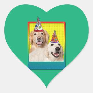 Gorra de la fiesta de cumpleaños - corona de Tebow Pegatina En Forma De Corazón