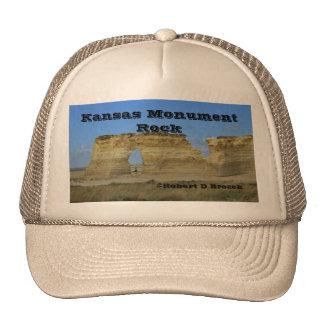 Gorra de los camioneros de la roca del monumento