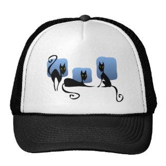 Gorra de tres gatos negros