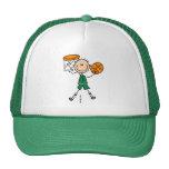 Gorra del baloncesto de los muchachos de la clavad