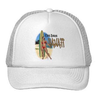 Gorra del chica de la persona que practica surf de