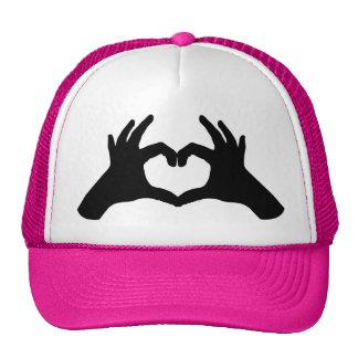 gorra del corazón de la mano