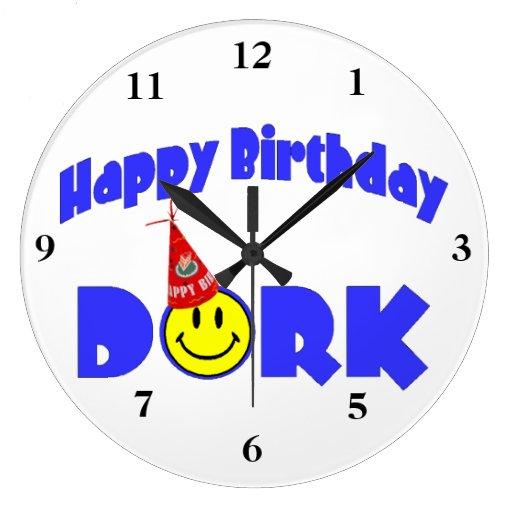 Gorra del fiesta del Dork del feliz cumpleaños Reloj Redondo Grande