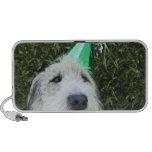 Gorra del fiesta del perro que lleva iPod altavoz