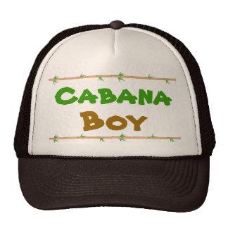 Gorra del muchacho de la cabaña con el bambú