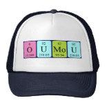 Gorra del nombre de la tabla periódica de Oumou