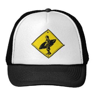 Gorra del paso de peatones de la persona que pract
