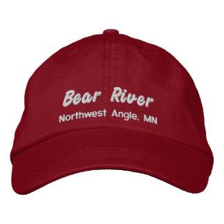 Gorra del río del oso - letras blancas bordadas gorra bordada