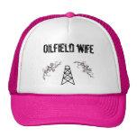 gorra del rosa de la esposa del campo petrolífero
