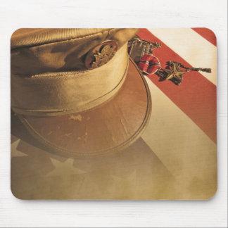 Gorra del vintage, bandera, cojín de ratón del día alfombrilla de raton