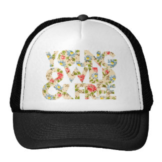 Gorra floral salvaje y libre joven