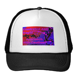 gorra frustrado del logotipo