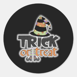Gorra Halloween de la bruja del truco o de la Pegatina Redonda
