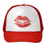 Gorra rojo de los labios del beso del lápiz labial
