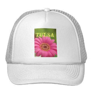 """Gorra rosado de la margarita del Gerbera de """"Tulsa"""