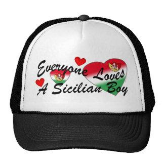 Gorra siciliano del muchacho de los amores