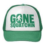 Gorra verde ido de las letras de Squatchin