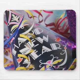 Gorras y flámulas del fiesta del Año Nuevo Tapetes De Raton